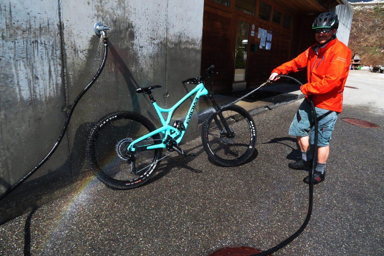 Bike Camping Flims Bike Wash 2