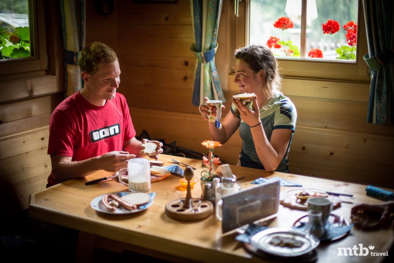 Urige Hütte Mountainbike Tour