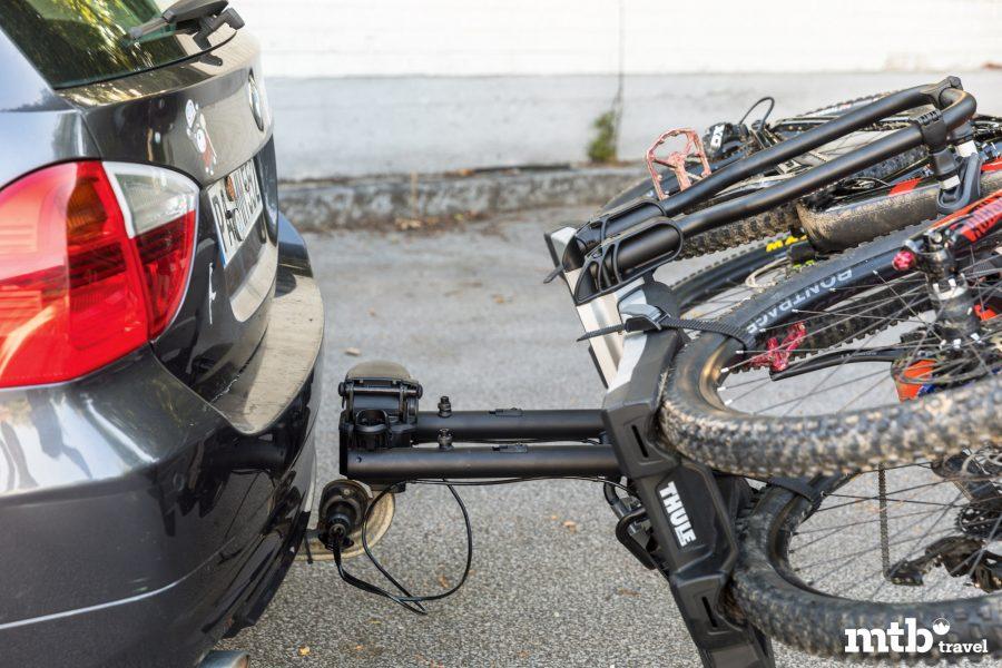 Tipps zum Verreisen mit dem E Bike Thule abgeklappt