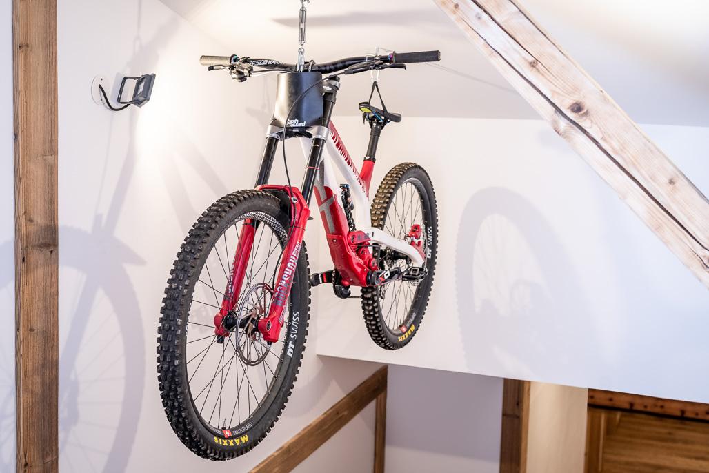 Bike Hotel Spielberghaus Dekoration Flur