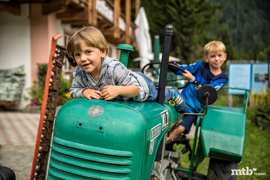 Fahrradfahren mit Kindern im Salzburger Saalachtal