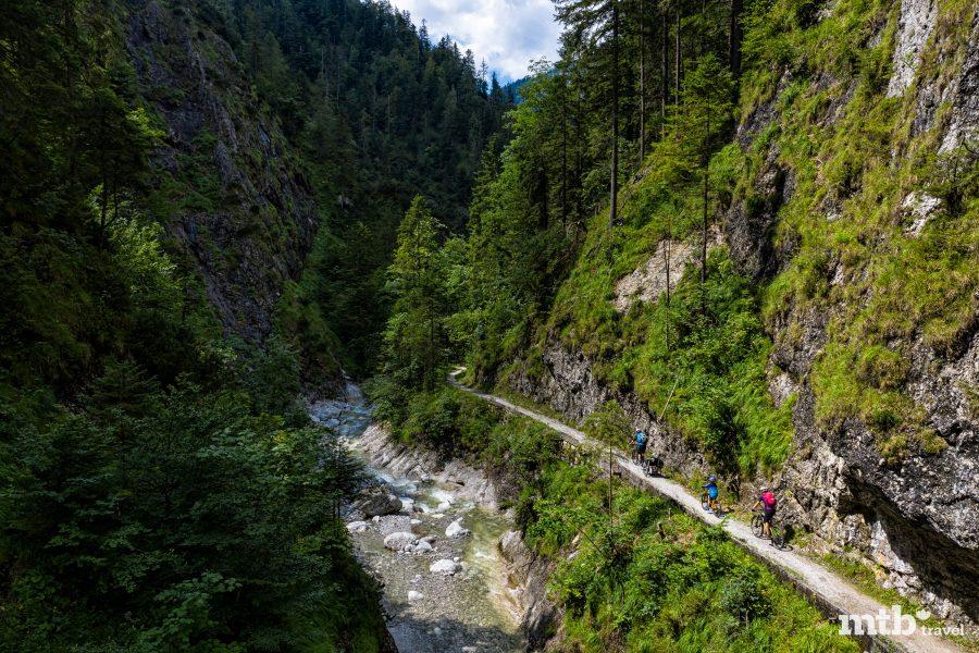 Fahrradfahren mit Kindern im Salzburger Saalachtal - Wildenbachschlucht