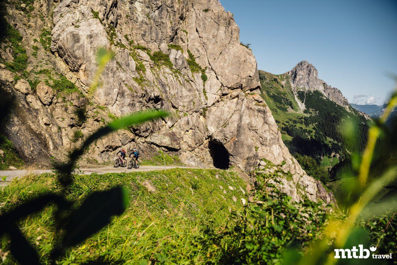 Bike Urlaub im Montafon Berg Tunnel