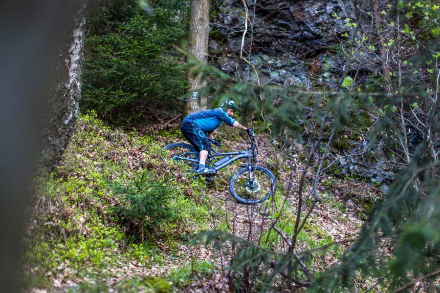 Fahrtechnik Basics für E Mountainbiker Sicherheitsabstieg