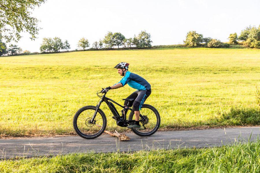 Fahrtechnik Basics für E Mountainbiker Vorderrad ablegen