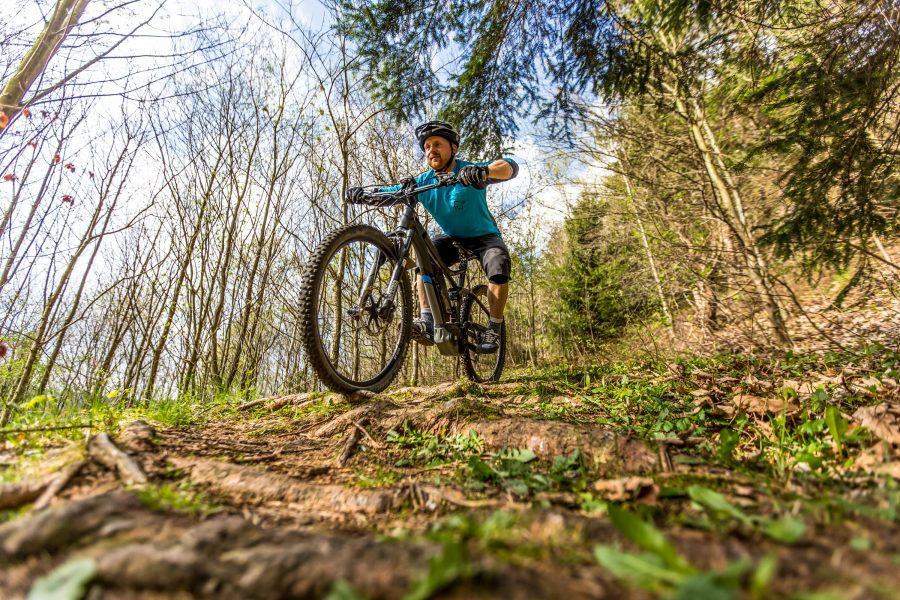 Fahrtechnik Basics für E Mountainbiker Vorgespannter Cowboy