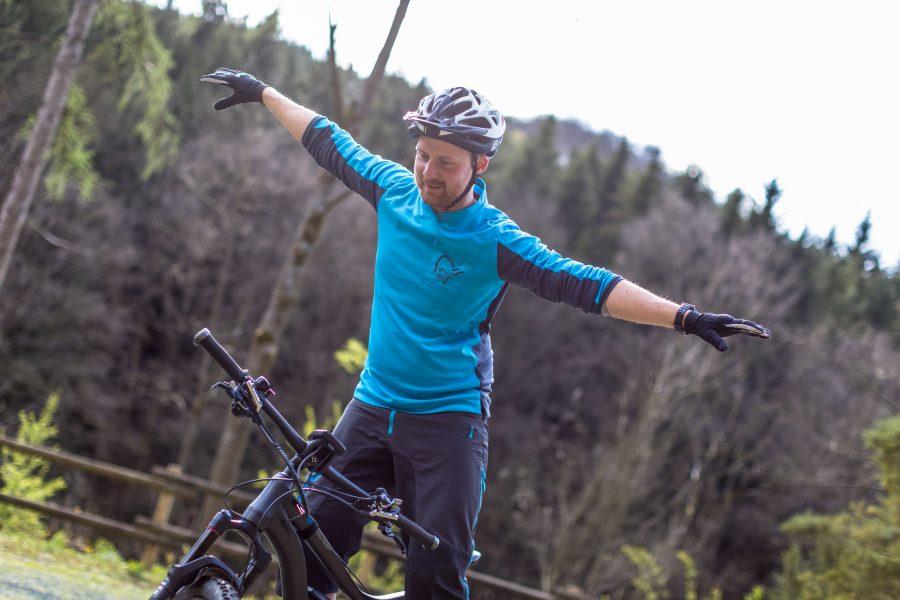 Fahrtechnik Basics für E Mountainbiker Zentrierung