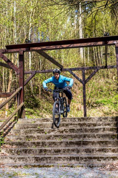 Fahrtechnik Basics für E Mountainbiker beide Bremsen