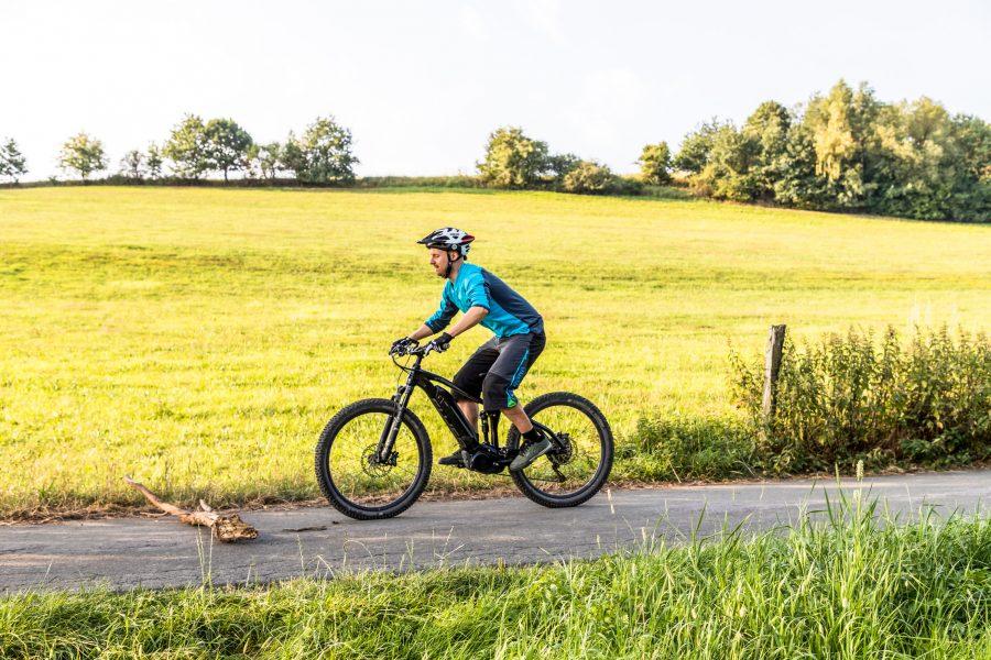 Fahrtechnik Basics für E Mountainbiker dynamisches zentrales Tiefgehen